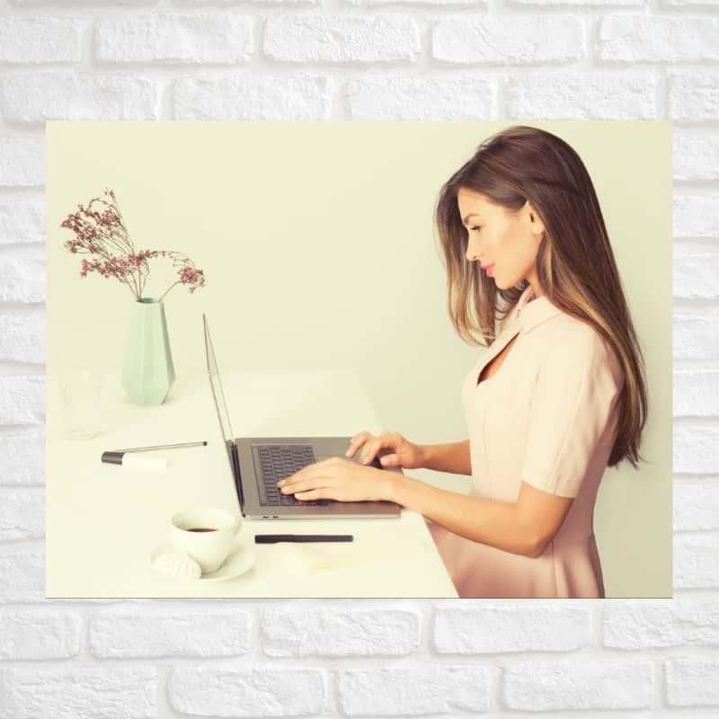 Вебкам-модель – загадочная профессия для смелых и независимых девушек